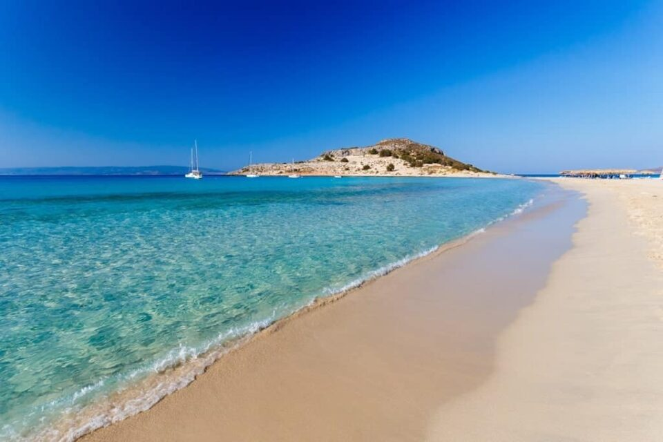 КОНЕЧНО ПОЗНАТО: На овој датум ќе се отворат плажите во Грција